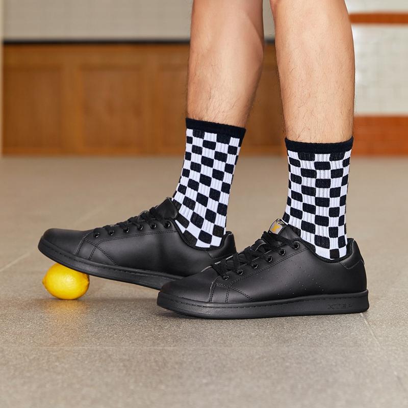 特步  男子板鞋 经典潮流时尚百搭简约小白鞋983219319266
