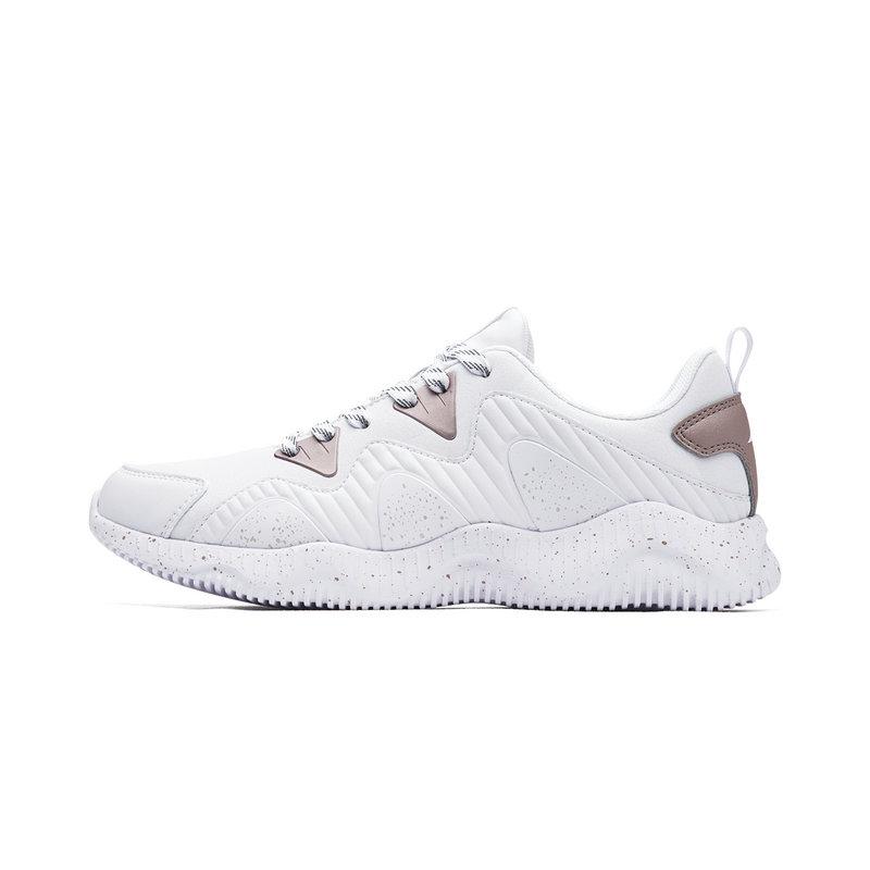 特步 女子跑鞋 2018秋季新款舒适透气跑步运动鞋982318119013
