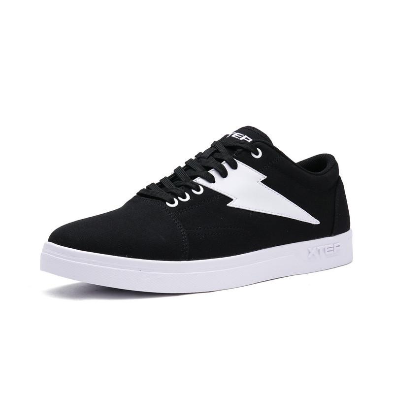 特步 男子板鞋 轻便舒适耐磨休闲简约系带男运动鞋982319319170