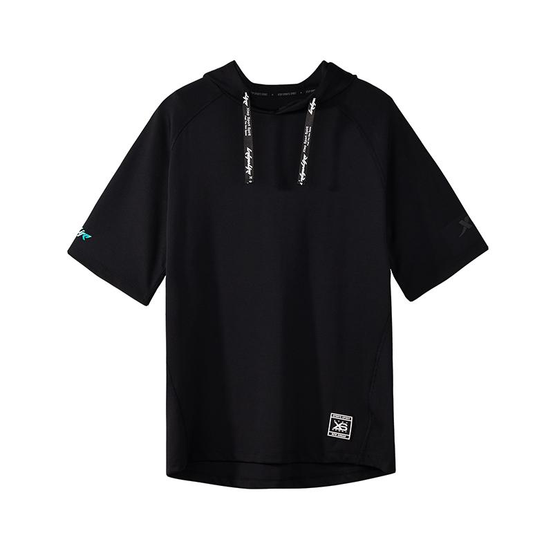 特步 专柜款 男子短袖T恤卫衣针织2018年秋季新款正品都市时尚982329051686