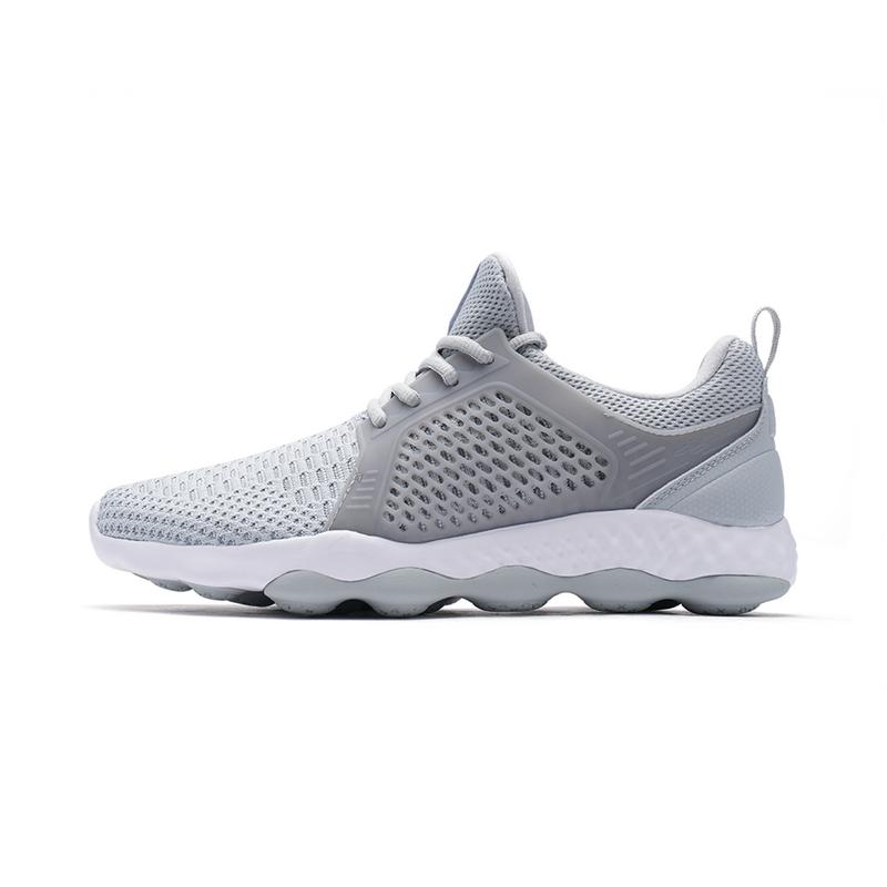 特步 男子跑鞋 一体织时尚舒适运动鞋982119119095