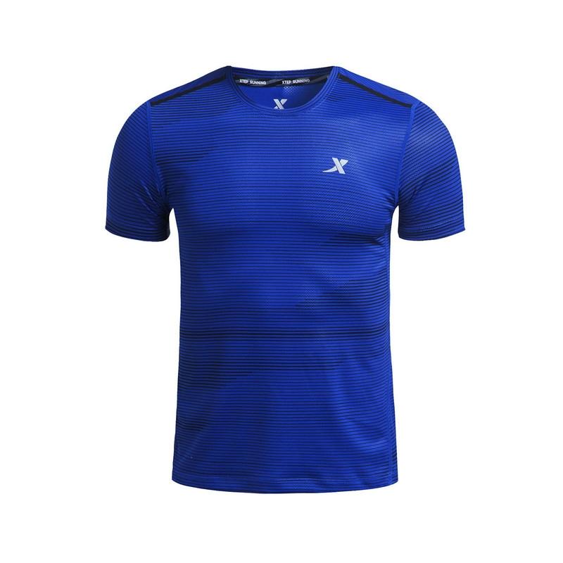 特步 专柜款 男子跑步T恤 吸湿透气 男子健身运动T恤983229011839