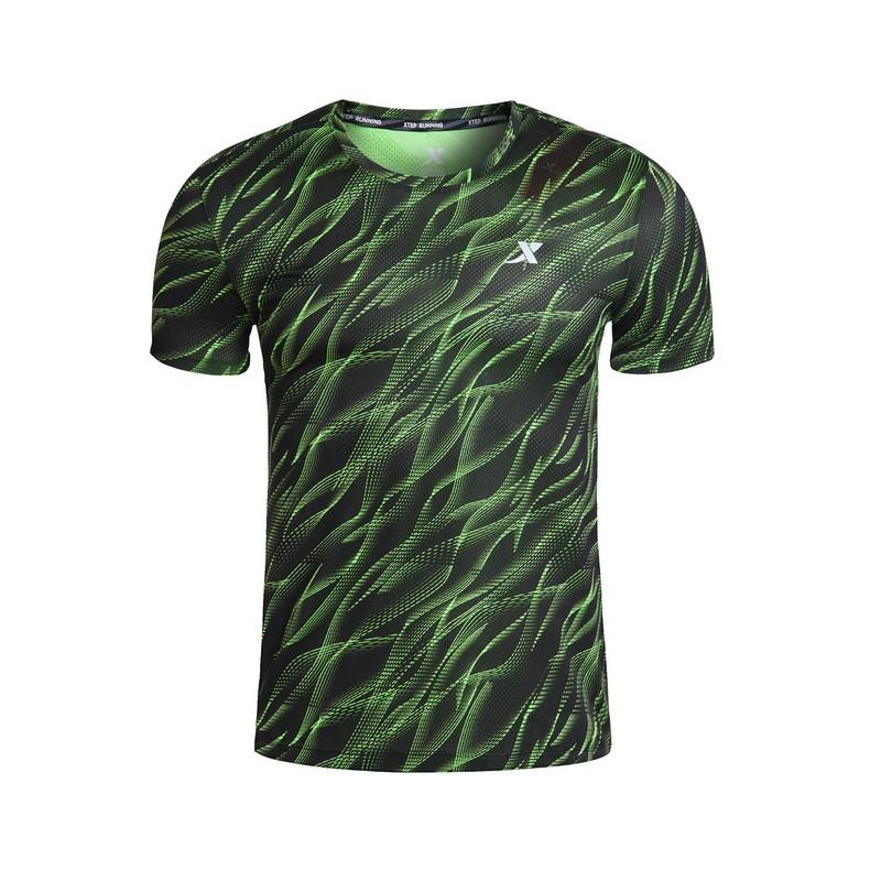特步 专柜款 男子针织短袖 夏季新品透气弹性舒适 跑步运动T恤男上衣983229011814