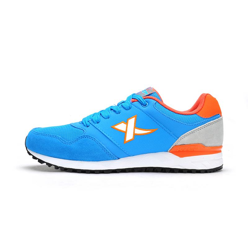 特步 专柜款   男子秋季时尚运动男休闲跑步鞋 英伦复古经典跑鞋987319112536