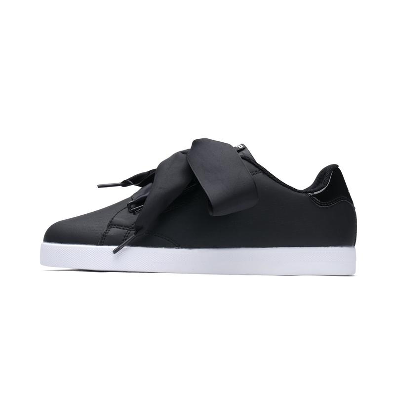 特步 女子春季板鞋 系带板鞋982118319395