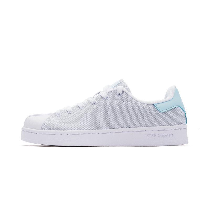 特步 女子板鞋 休闲时尚百搭小白鞋982218319512
