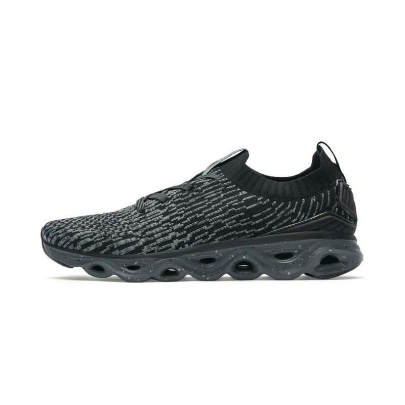 特步 专柜款 女子夏季跑步鞋 减震旋科技一体织女鞋982218110116