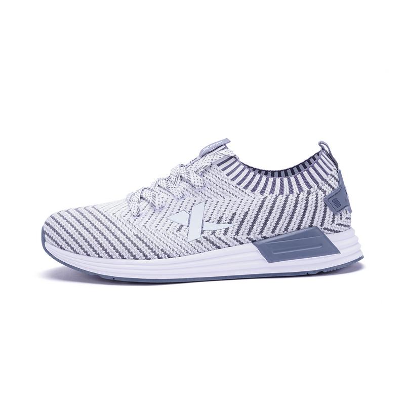 特步 男子跑步鞋春季款 柔软舒适飞织跑鞋982119119310