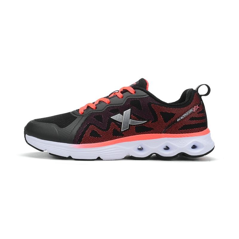 特步 专柜 新款女综训鞋  耐磨舒适轻便 女运动鞋984318520178