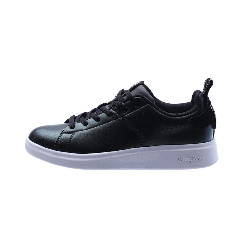 特步 专柜款 女子简约板鞋 新品百搭冬季板鞋983418315731