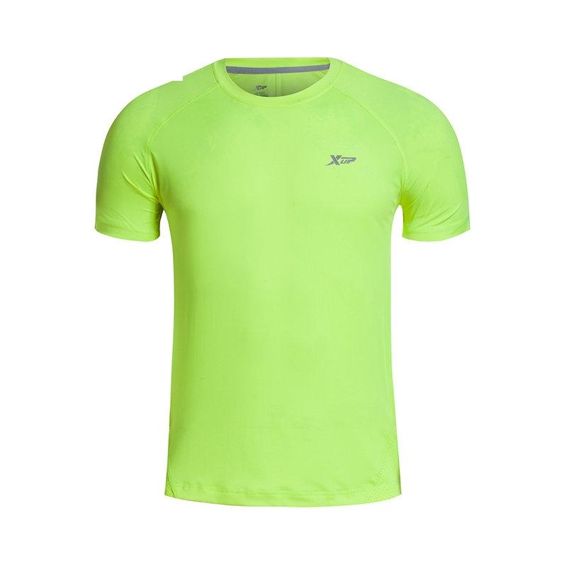 特步 新款男子短袖 清凉透气舒适运动T恤884229019195