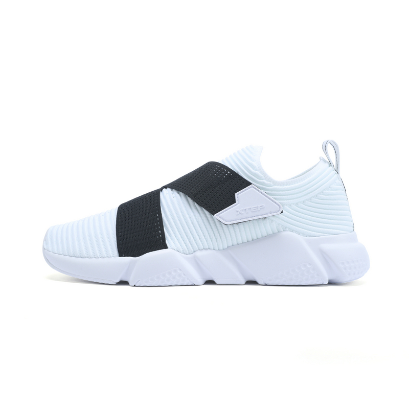 特步 专柜款 男子都市鞋 潮流时尚休闲鞋982219392853