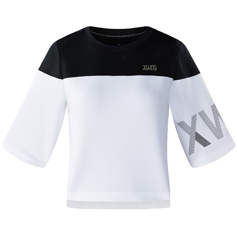 特步 专柜款 女运动综训T恤舒适柔软拼接针织衫982228012066