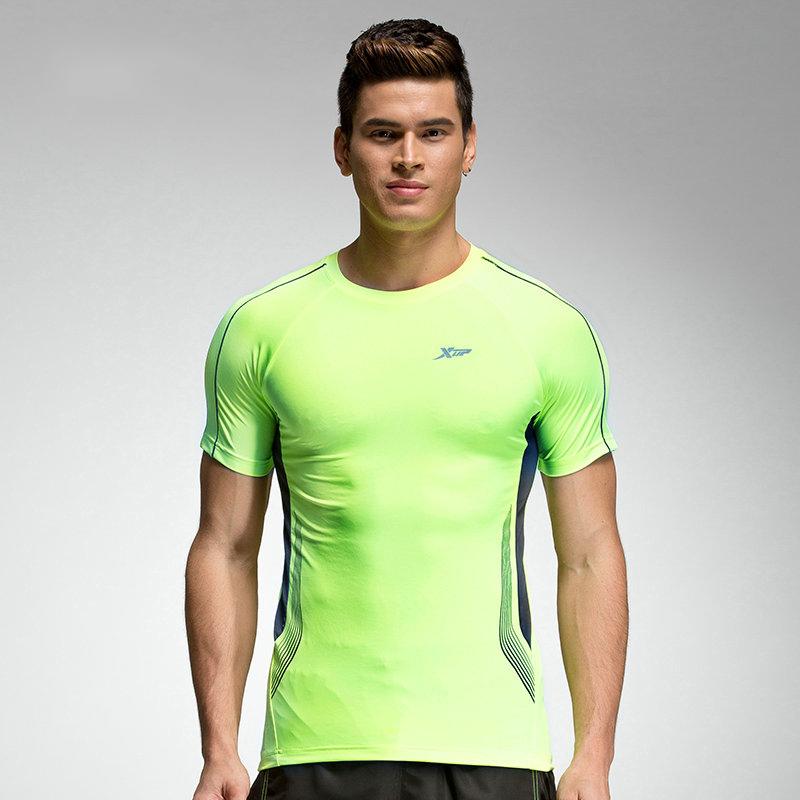 特步 夏季新款 透气舒适 男子短袖884229019201