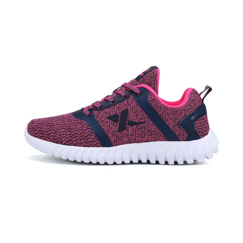 特步 专柜款  春夏女跑鞋  柔立方舒适运动女鞋983118116325