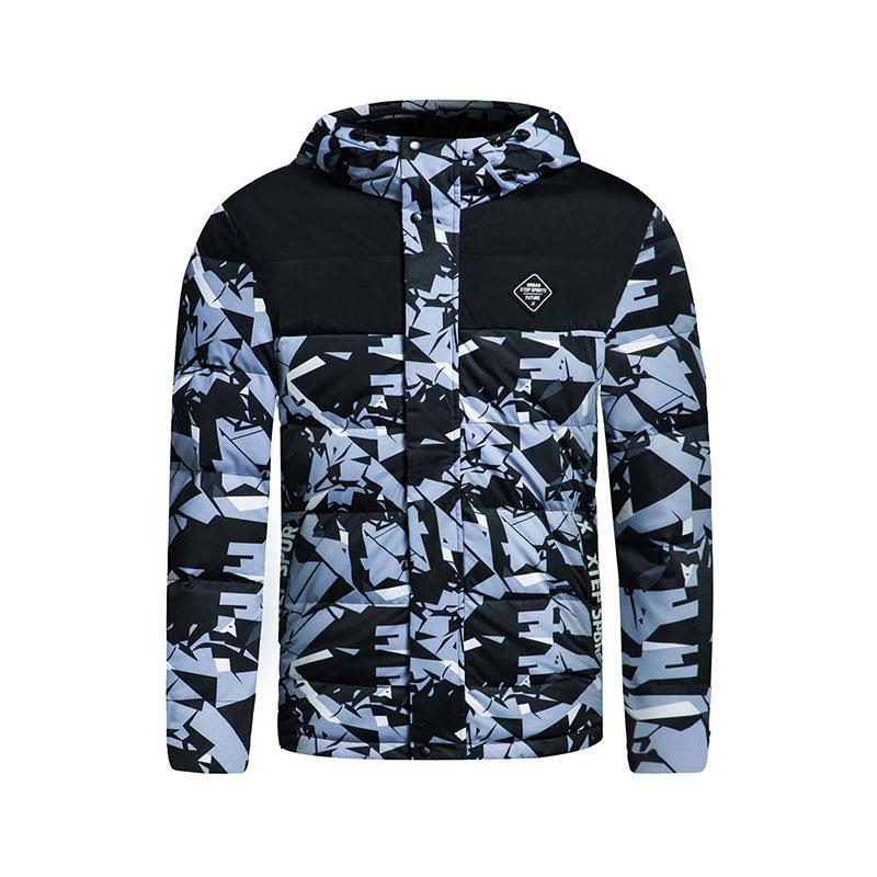 特步 男子羽绒服冬季款 校园迷彩保暖外套883429199009