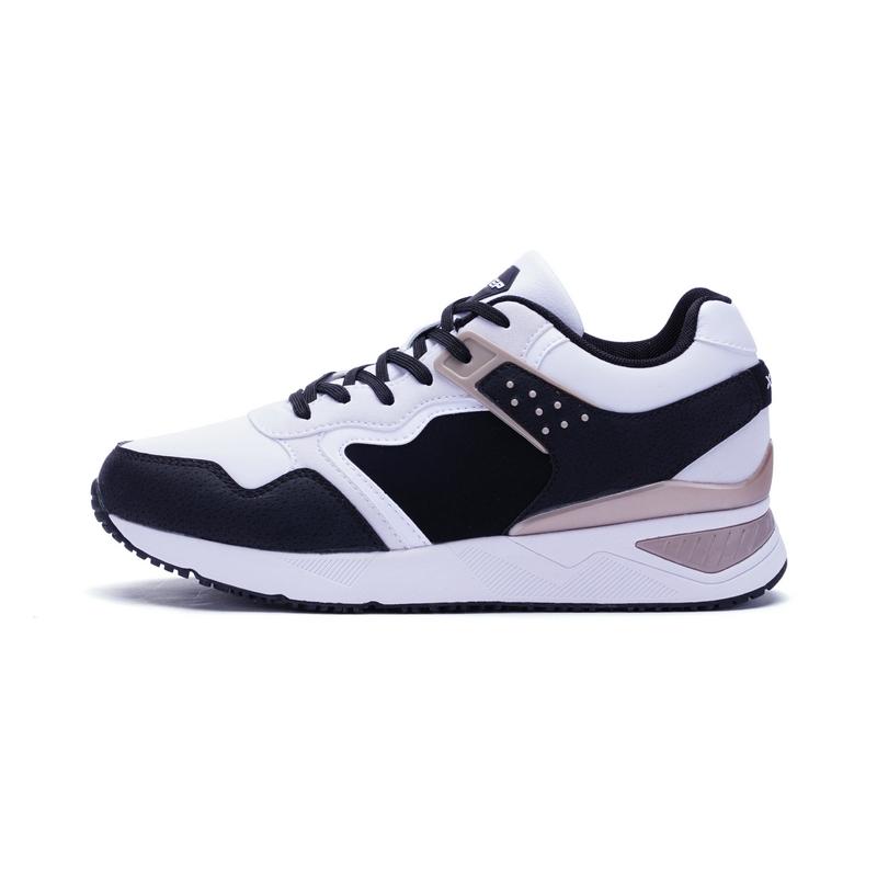 特步 专柜款 女子冬季休闲鞋 增高时尚女鞋983418326358