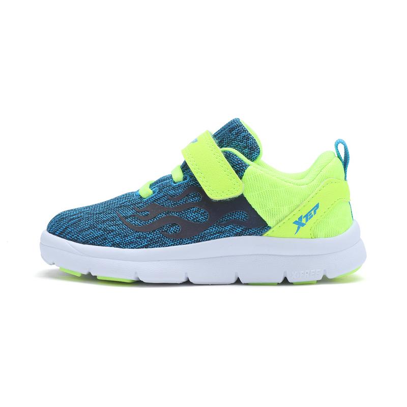 特步 专柜款 儿童健康鞋 舒适运动风火鞋682116612172