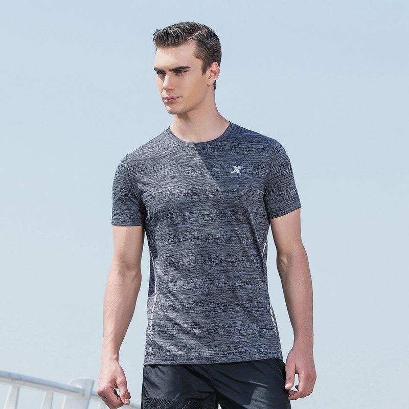 特步 男子夏季跑步T恤 运动透气舒适短装882229019260