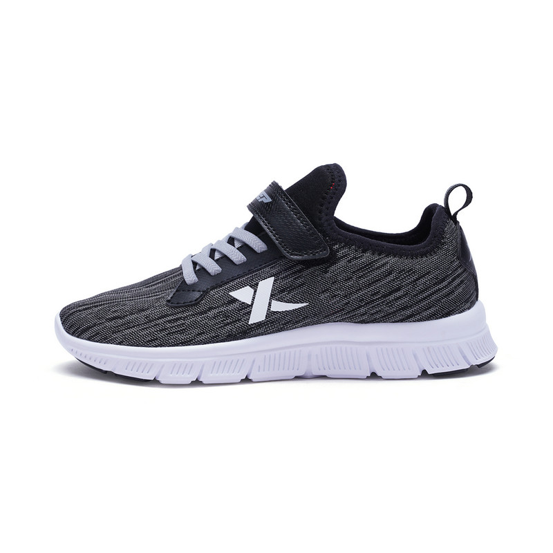 特步 男童跑鞋 舒适中大童学生运动鞋 682115119975