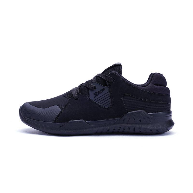 特步 专柜款 女子冬季综训鞋 耐磨运动女鞋983418520359