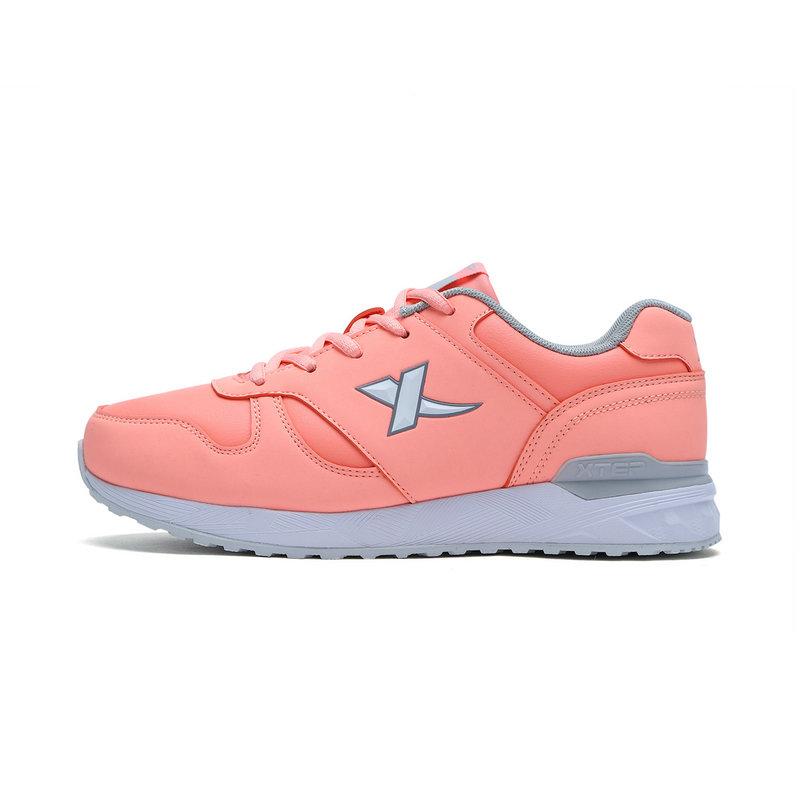 特步 女子棉鞋常规款 时尚皮革拼接保暖休闲跑步鞋983418379907