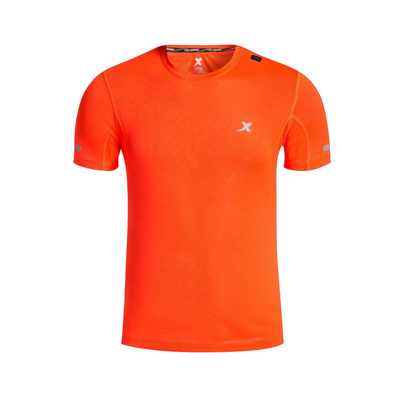 特步 专柜款 男子夏季跑步T恤 新品透气舒适跑步运功针织衫983329011917