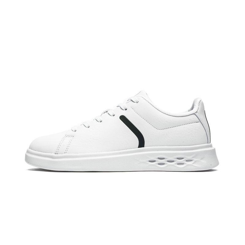 特步 专柜款 女子新款板鞋 休闲简约舒适板鞋982318316011