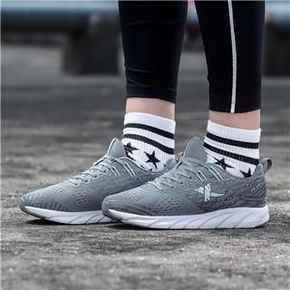特步 女鞋跑鞋运动鞋2018年秋季新款透气网面透气女减震耐磨 982318119028