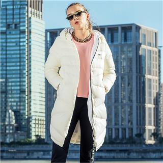 【棉羽减50】特步 女子冬季新款舒适保暖百搭时尚长款羽绒服882428199405