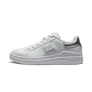 特步 专柜款 女子板鞋 冬季新款时尚系带休闲女鞋982418316061