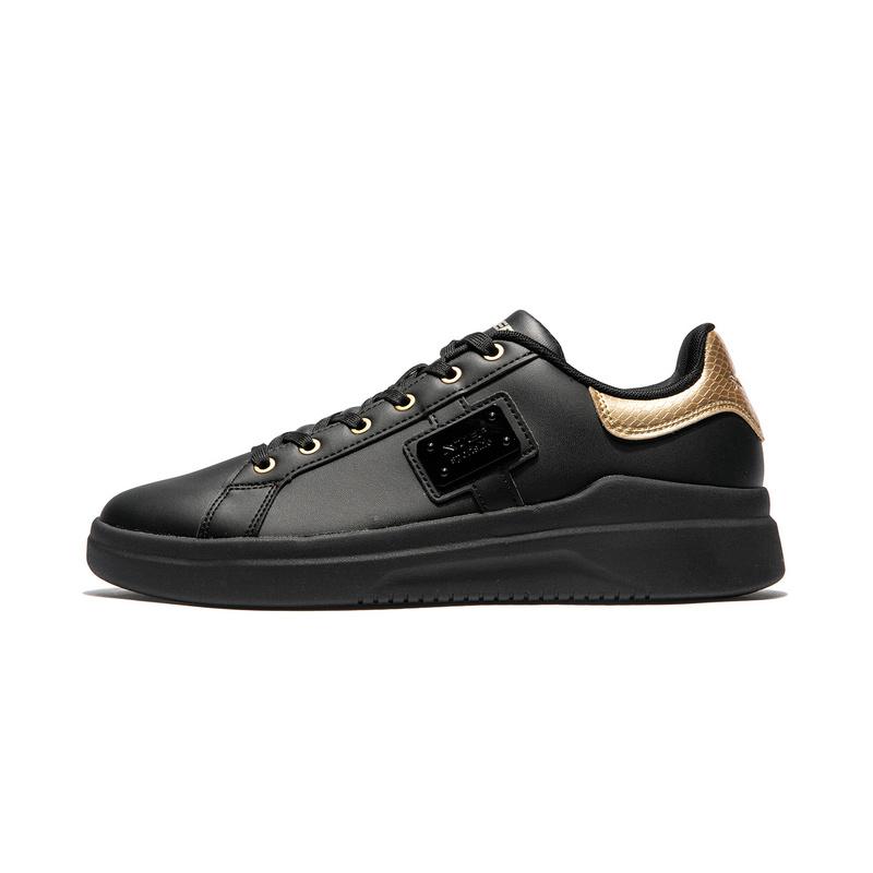 特步 专柜款 男子板鞋 冬季新款时尚革面耐磨系带休闲鞋982419316061