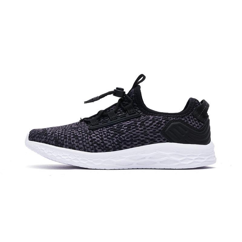 特步 专柜款 男童跑鞋 透气舒适休闲运动鞋682215115756