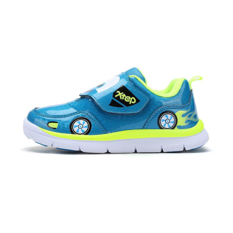 特步  儿童冬季健康鞋  新品舒适中小童休闲鞋683415619702