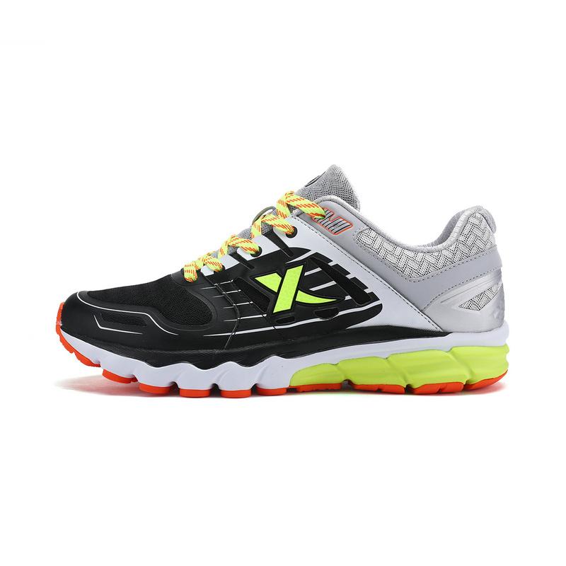 特步 男跑鞋 新款 轻便百搭时尚男运动鞋983119119157