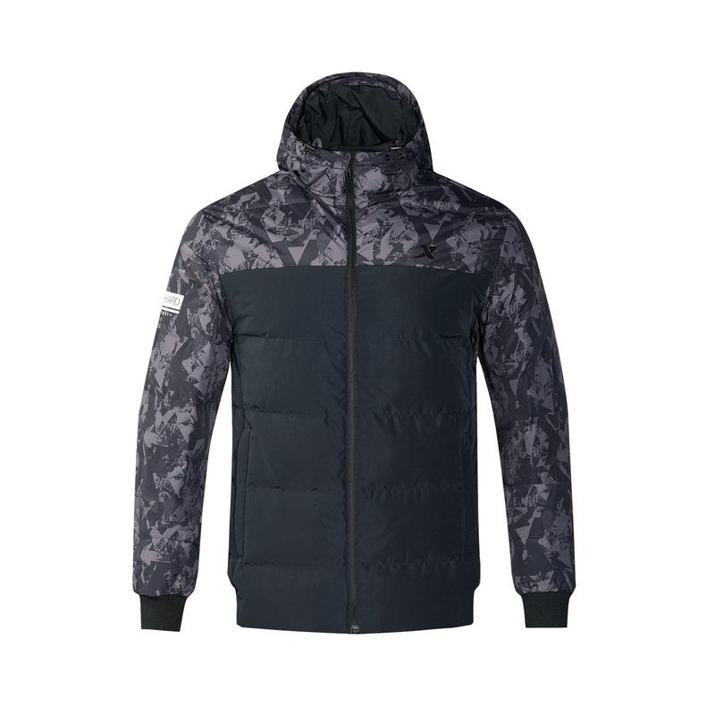 特步 专柜款 年冬季新款男短款羽绒服拼接连帽羽绒衣外套982429190911