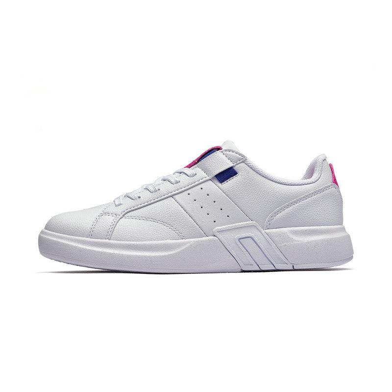 特步 专柜款 女子板鞋2019春季π系列运动鞋新潮滑板鞋革面女鞋981118316023