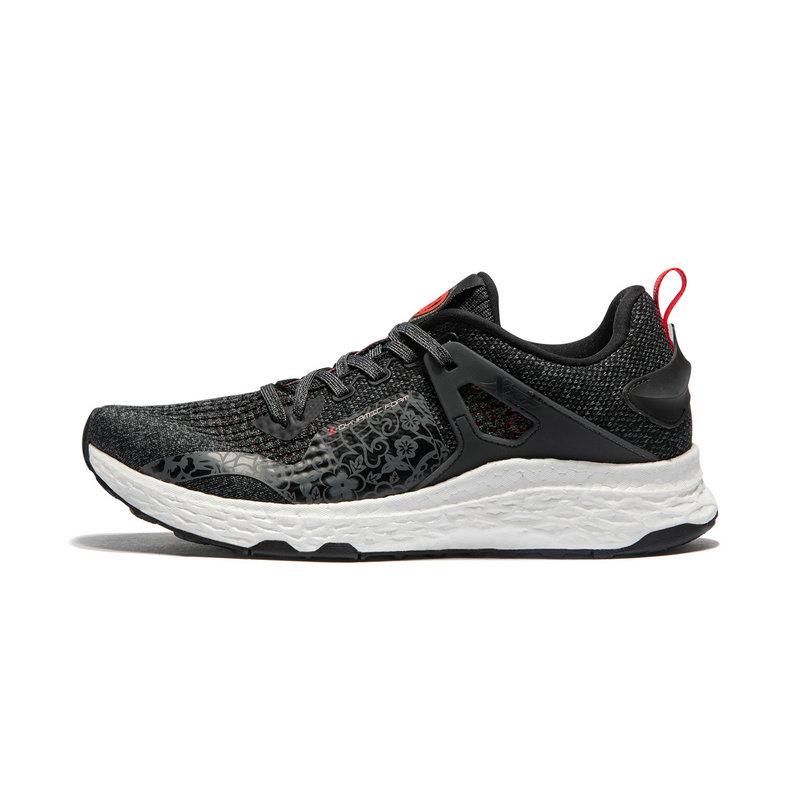 特步 专柜款 女子跑鞋 2019春季新款网面轻便旅游休闲运动鞋981118110263