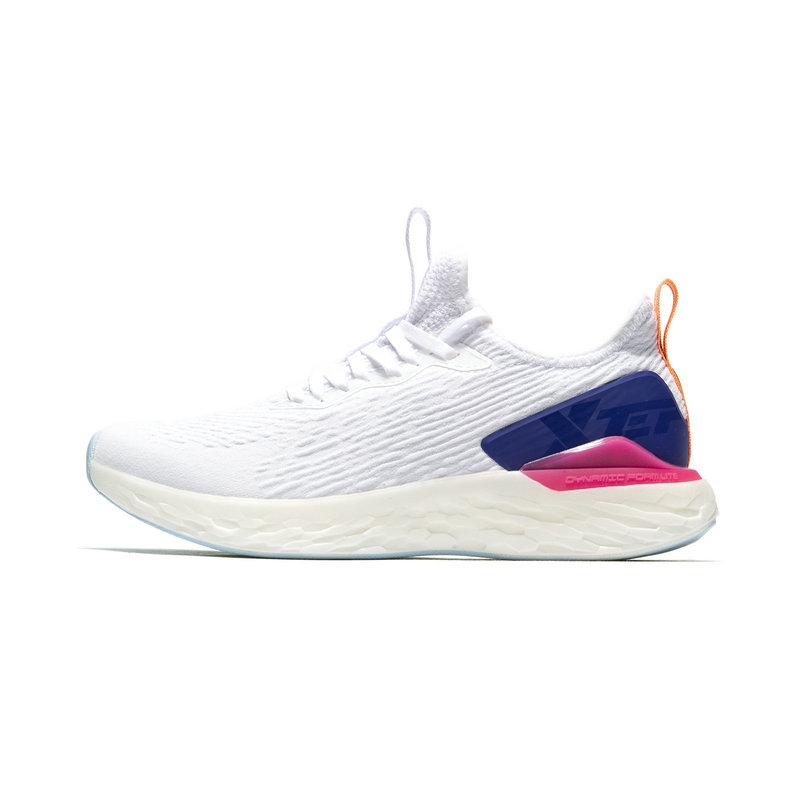 特步 专柜款 女子跑鞋 2019春季新款休闲网面耐磨运动鞋981118110266