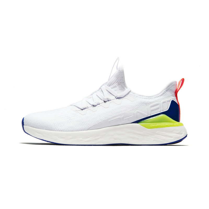 特步 专柜款 男子跑鞋2019新款纺织舒适动力巢运动鞋981119110266