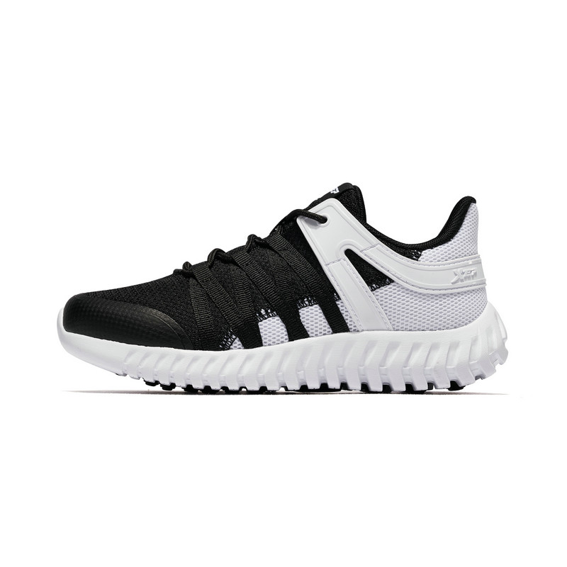 特步 男童跑鞋 2019年春季新款时尚百搭运动跑步鞋681115119188