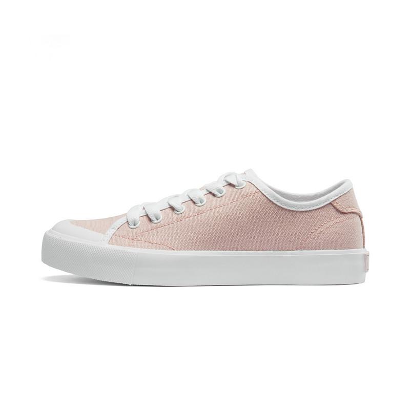 特步 女子帆布鞋 2019春新款轻便防滑板鞋情侣休闲小白鞋881118109239