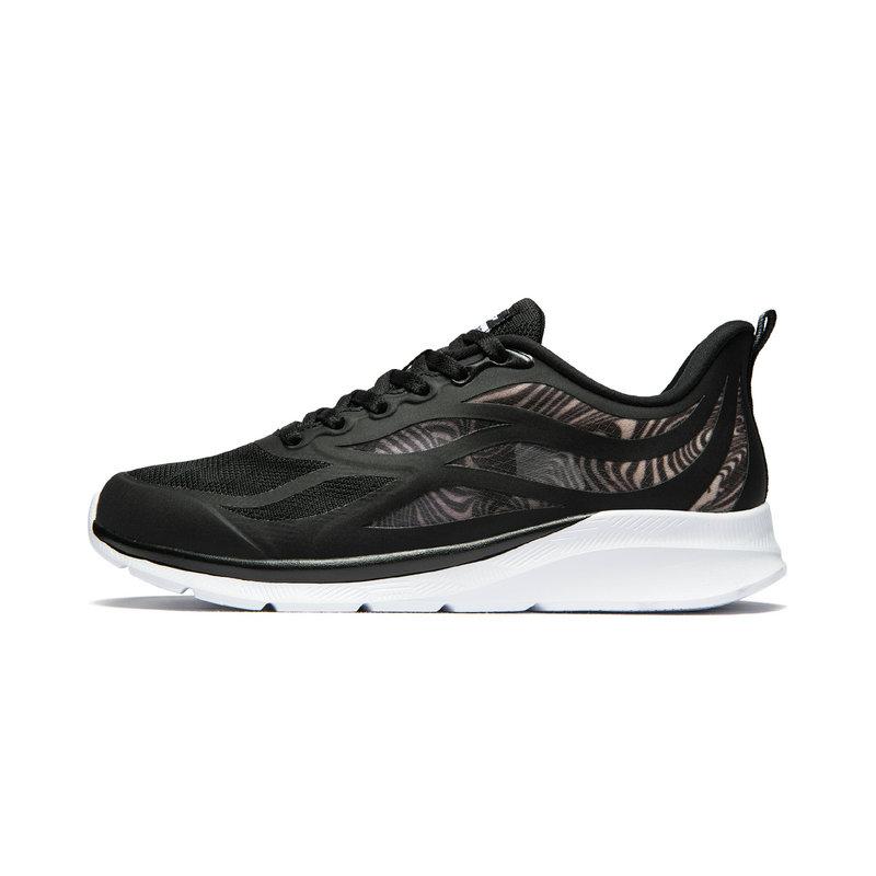 特步 专柜款 女子跑鞋 19夏新款健身休闲透气舒适运动鞋981218110358