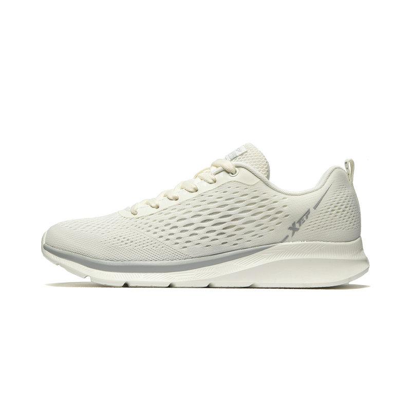 特步 专柜款 男子跑鞋 夏季新款纺织时尚网面跑步运动鞋981219110537