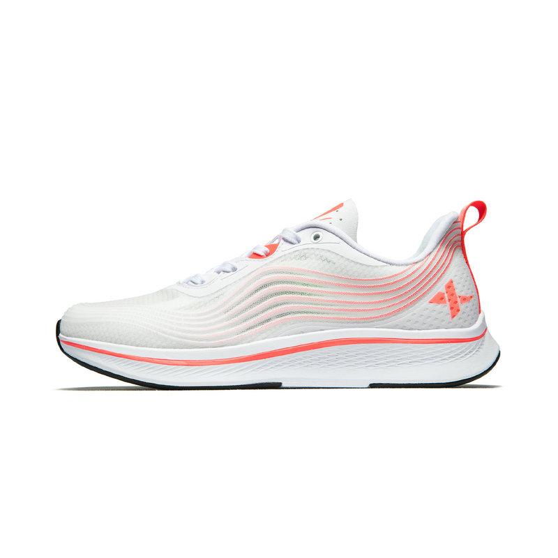 特步 专柜款 女子透气跑步鞋 春季新款减震耐磨运动鞋981218110303