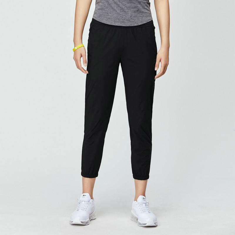 特步 专柜款 女子梭织裤 2019夏季新款薄弹力休闲梭织九分运动裤981228690014
