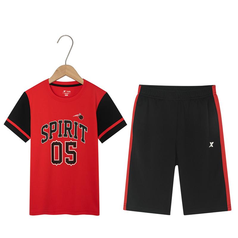 特步 男童篮球比赛套装 19夏新款儿童休闲短袖短裤两件套681225389134