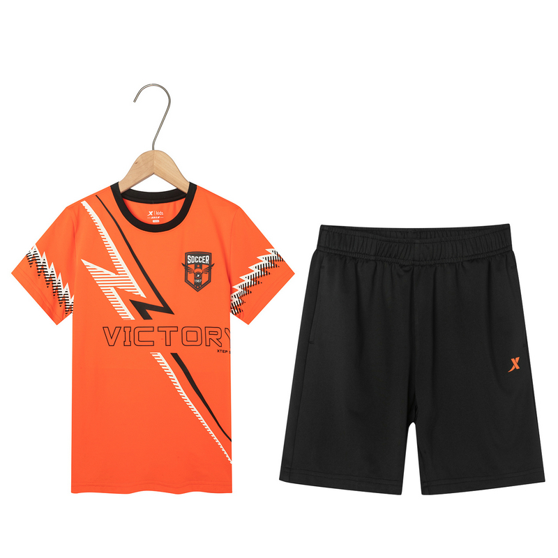 特步 男童足球运动套装 夏季新款舒适透气运动儿童套装681225399132
