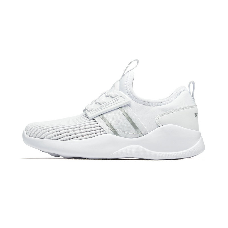 特步 男女童鞋 2019夏季童鞋男女小童网面鞋透气运动休闲鞋681216329276