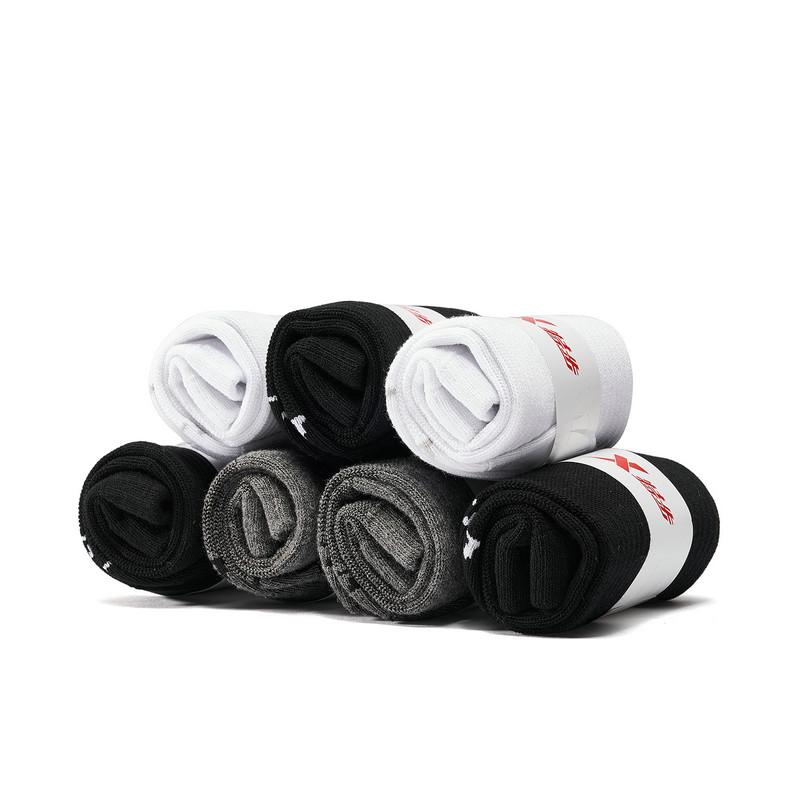 特步 男平板中袜七双装 19新款舒适透气运动中袜881339559058
